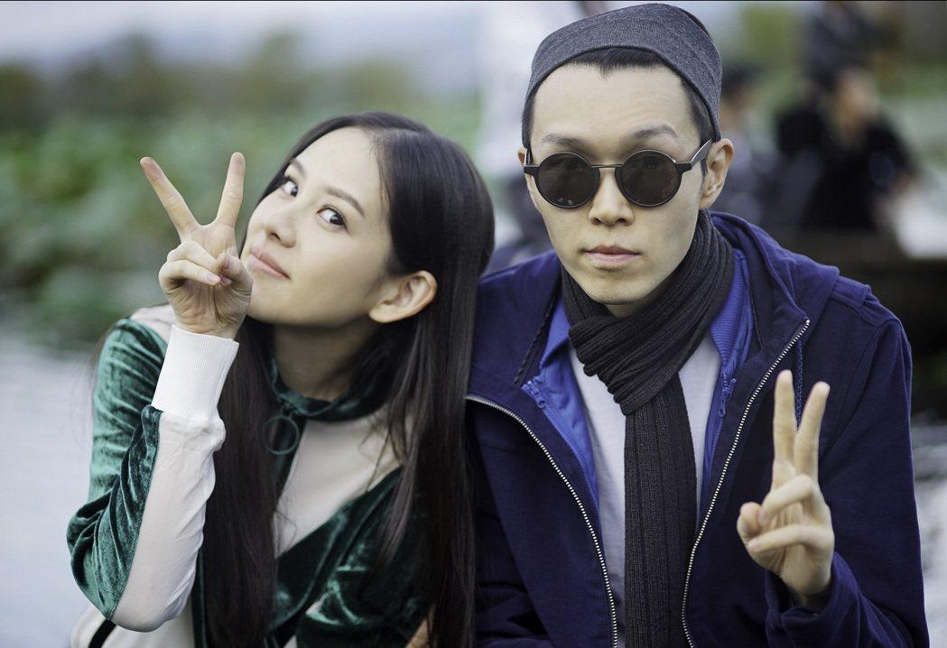 方大同(右)為了王詩安新歌「徠卡味」MV花了150萬台幣。圖/賦音樂提供