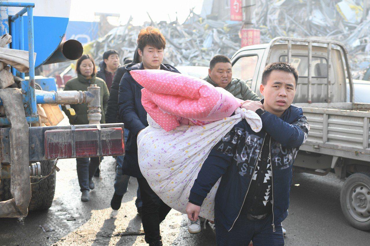 北京大興發生火災後,地方當局趁勢驅離「低端人口」們。 中新社資料照片