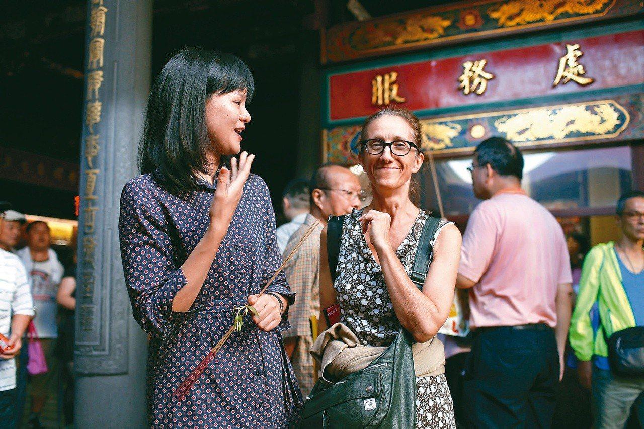對黃蓉而言,氣味導覽是城市策展,也是文化交流的管道。圖/黃蓉提供