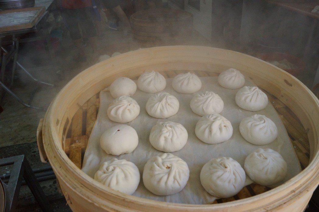 根據中國公布的英譯規範,包子等中國特色食物可用漢語拼音拼出。 圖/報系資料照片