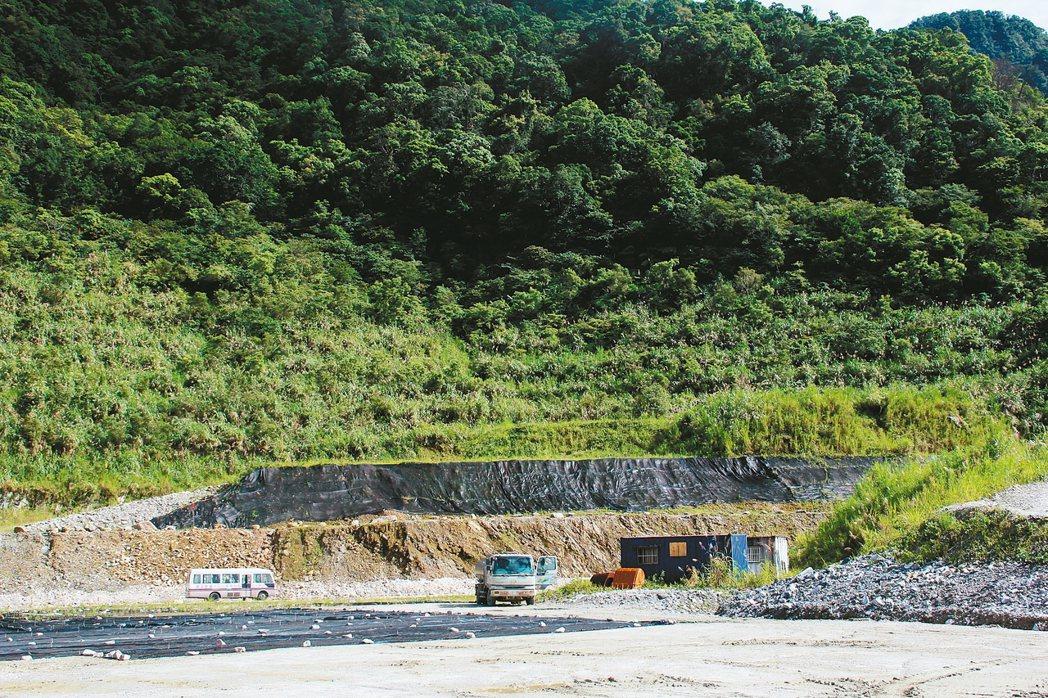 賴揆指示,行政院院會下周審礦業法修正案,並定調新舊礦區都要做環評,圖為一礦區。 ...