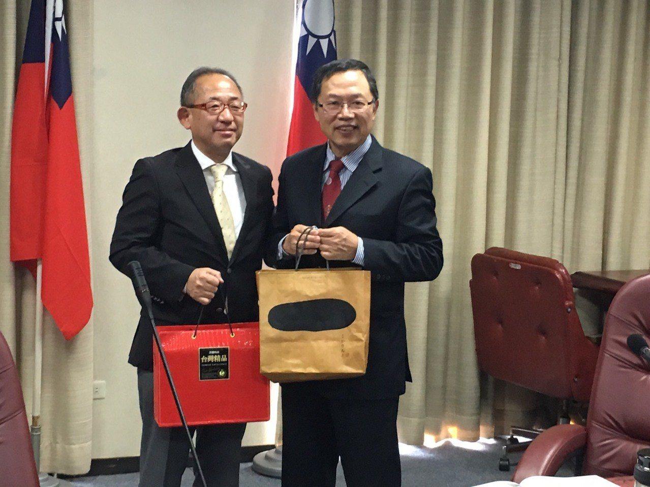 希望能在本次台日技術交流後,與日本搭建友誼關係,累積水管理技術經驗,為台灣自來水...