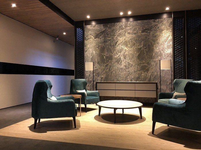 遠雄秉持「蓋房子,先造環境的理念」在內湖五期追求質感,帶入西班牙首席綠建築師En...
