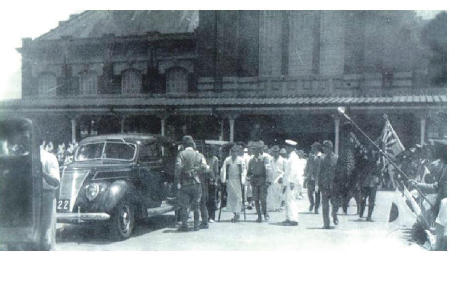 戰時受傷的軍人從臺中火車站返回臺中。昭和12年(1937年)中日戰爭全面爆發之前...
