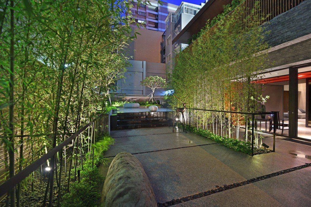 中庭的竹林步道。 圖片提供/居富開發