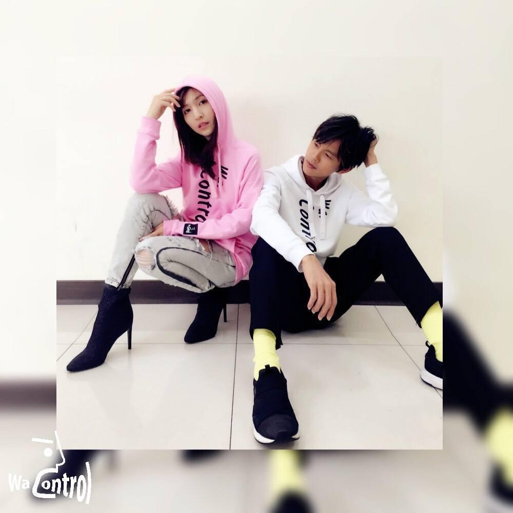 阿翔和老婆和體拍宣傳照。圖/摘自臉書