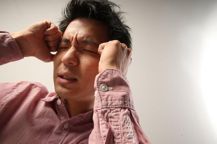 突然劇烈頭痛一定要就醫。本報資料照片