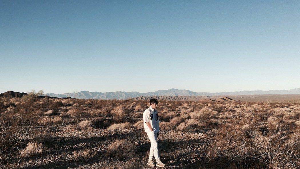 陳零九為新歌MV到洛杉磯沙漠拍攝。圖/滾石提供