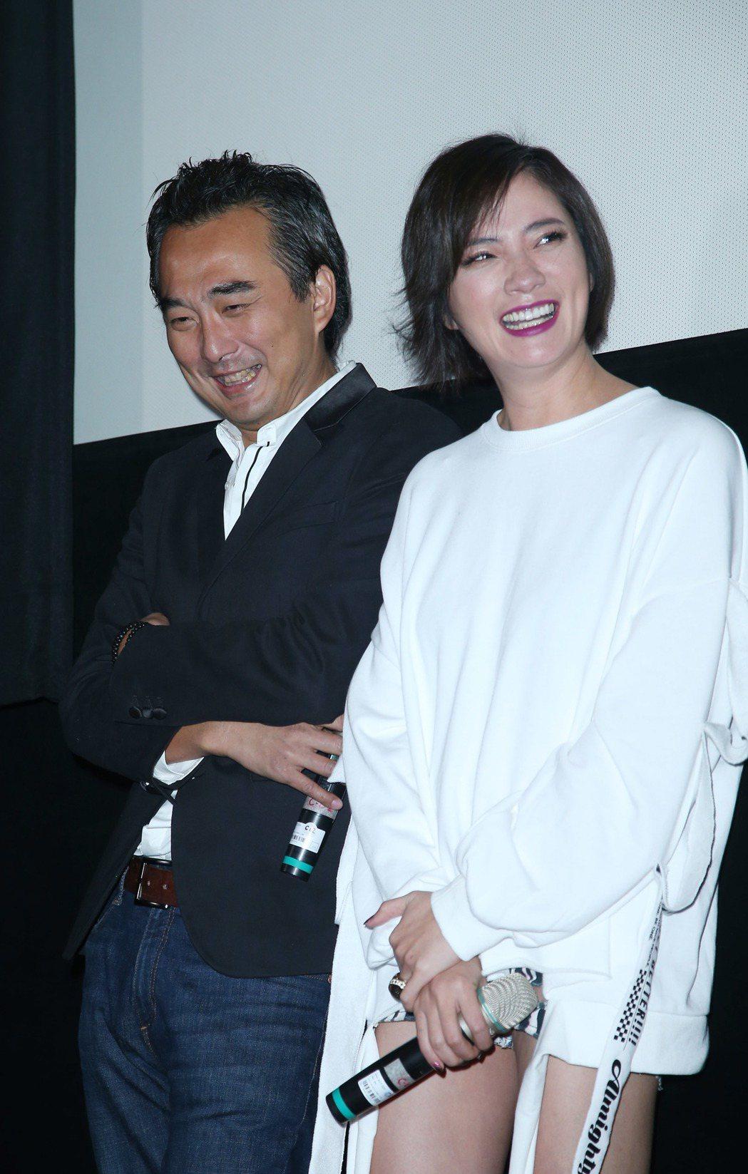 于小惠(右)與蔡岳勳出席華語「深夜食堂」試片。記者陳瑞源/攝影