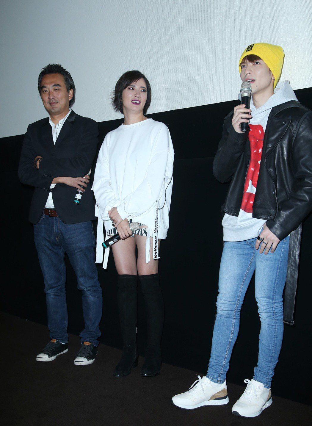 蕭敬騰(右起)于小惠、蔡岳勳出席華語「深夜食堂」試片與粉絲互動。記者陳瑞源/攝影