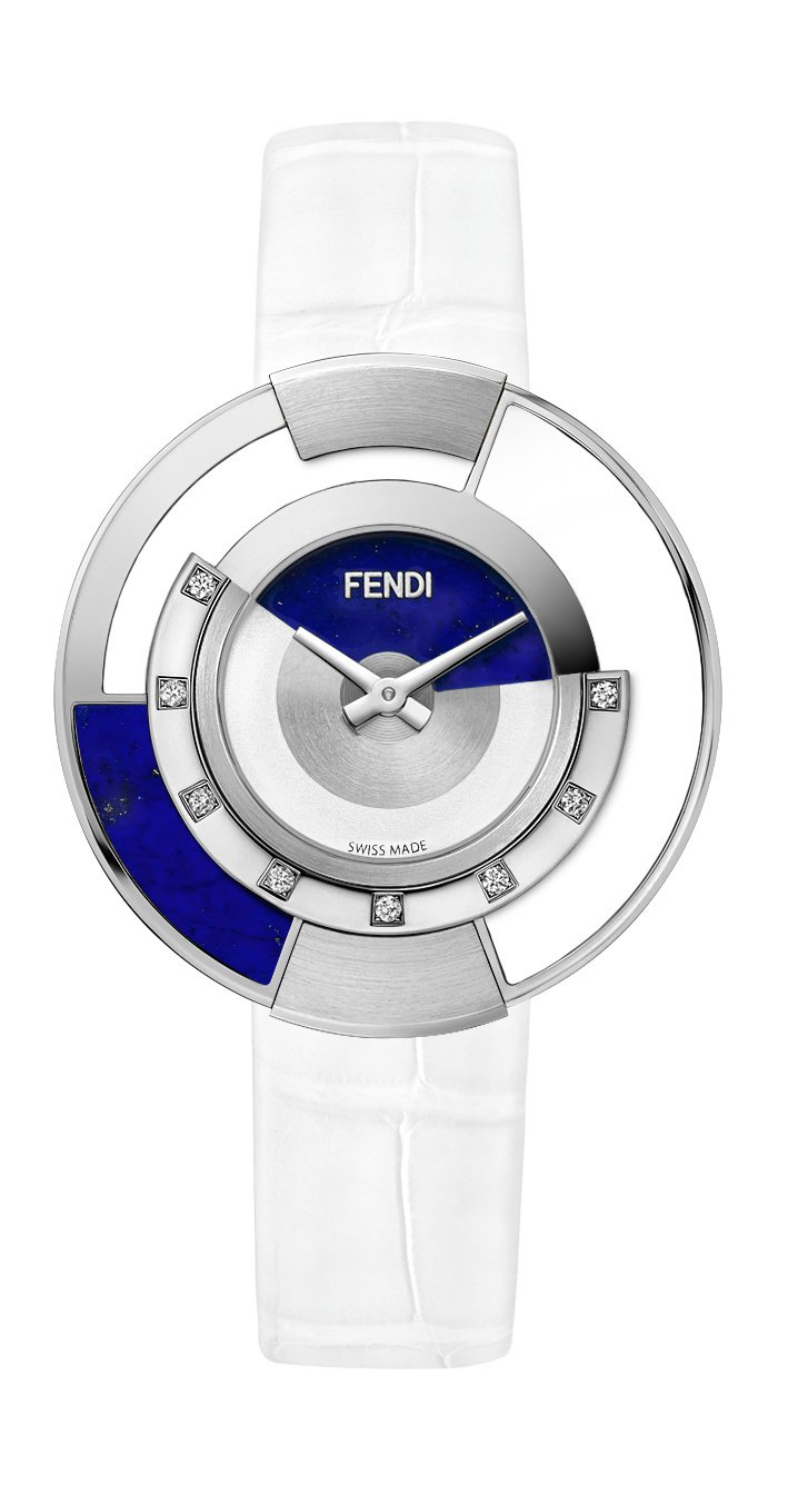 歐陽娜娜配戴的Policromia 白色手表,10萬6,000元。圖/Fendi...