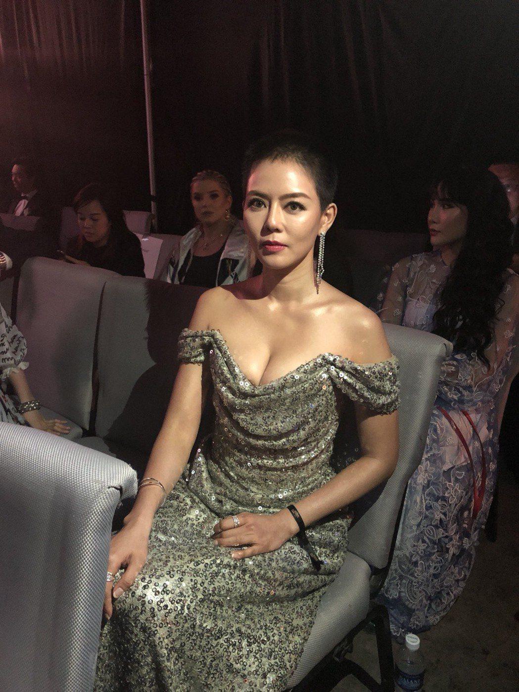 劉香慈嫁入豪門當媽,身材更傲人,爆奶出席新加坡亞洲電視大獎。圖/民視提供