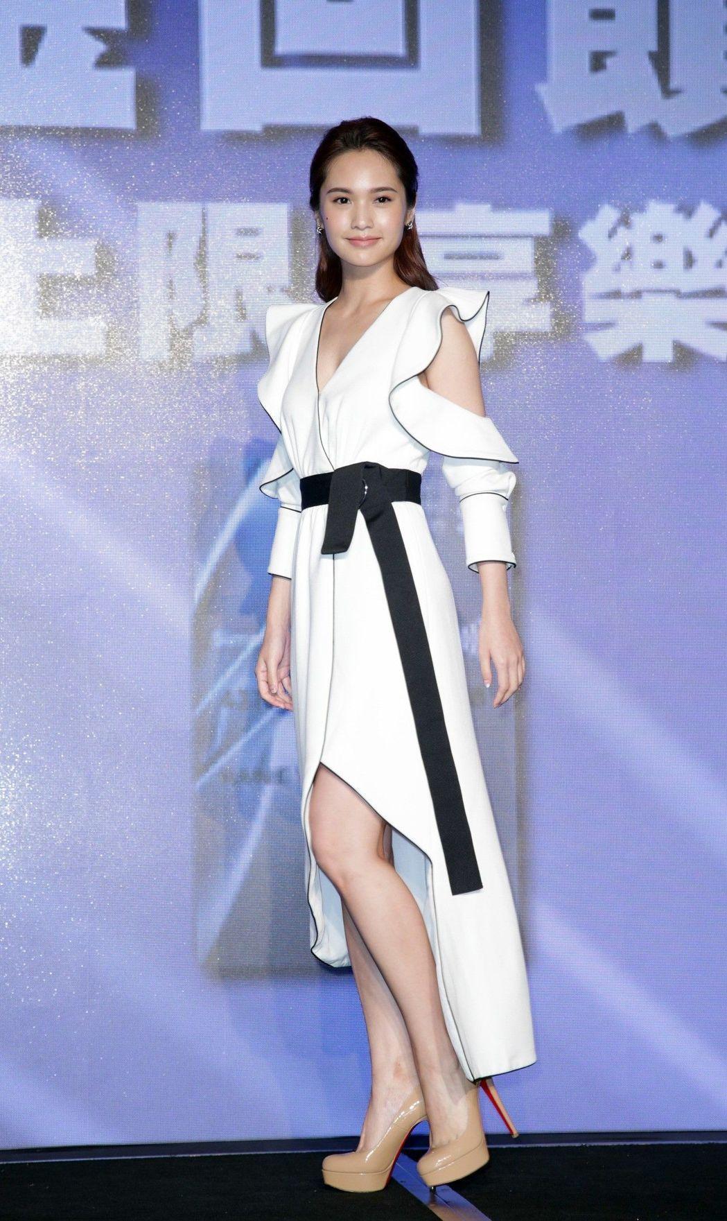 楊丞琳穿Self-Portrait 2017秋冬白色洋裝。攝影/記者陳瑞源/攝影