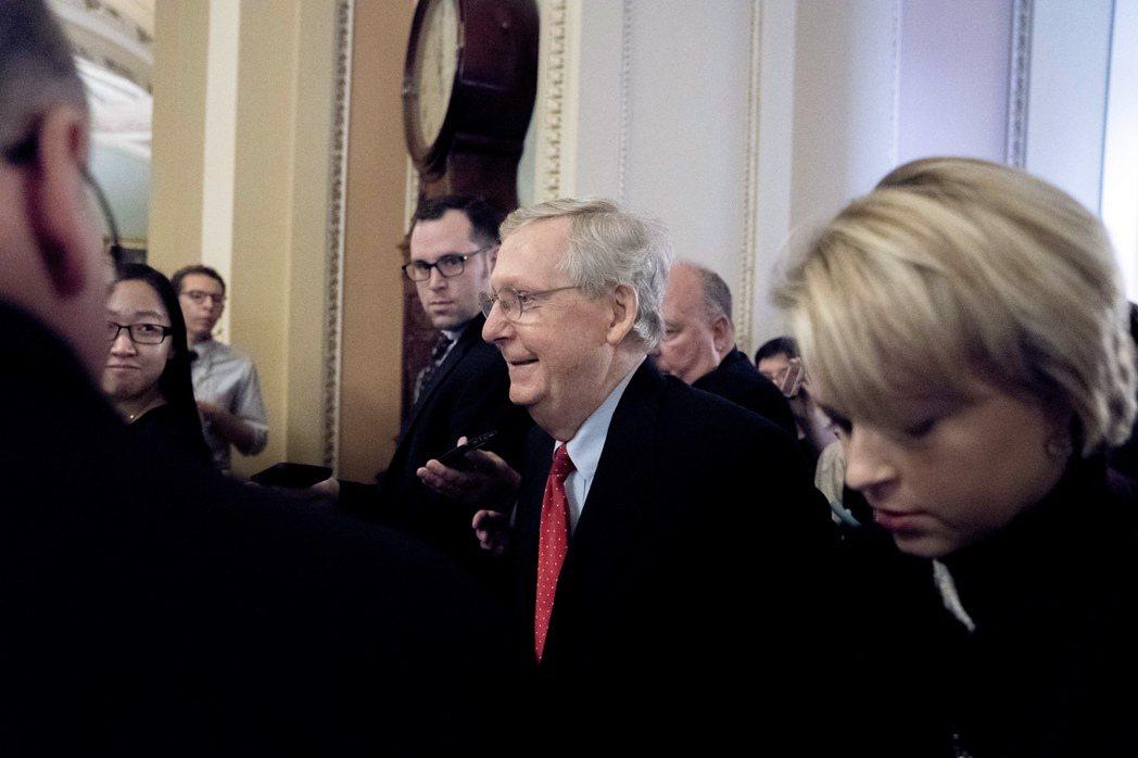 共和黨版本稅改案2日在參院過關。(美聯社)