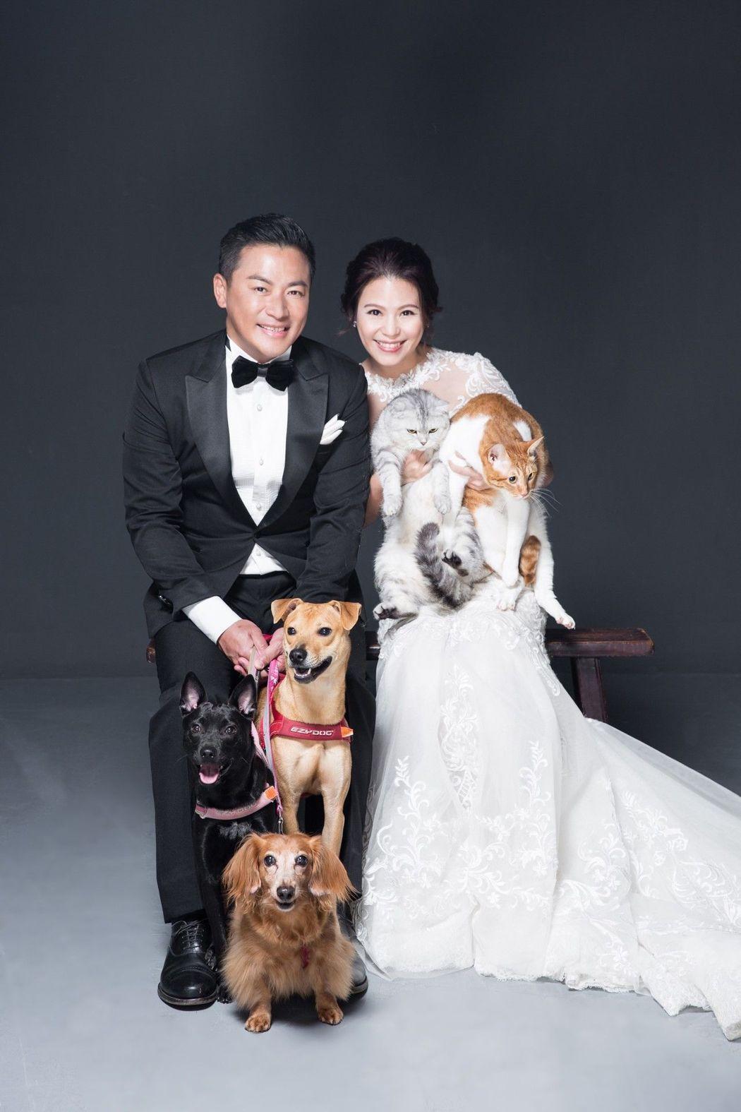 江宏恩迎娶小6歲老婆Vanessa,小倆口笑得幸福開心。圖/蘇菲雅提供
