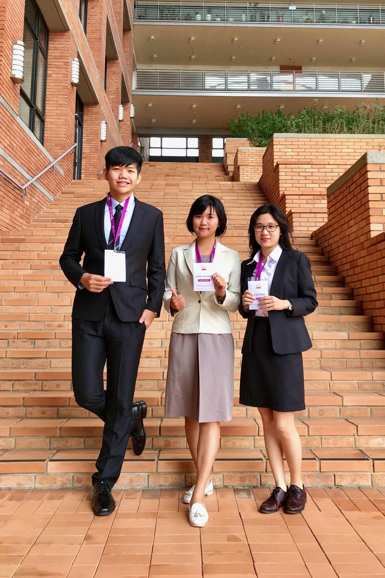 Energene團隊成員陳建廷、張翠璇、曾姵淇(左至右),希望製作有趣的廣播節目...