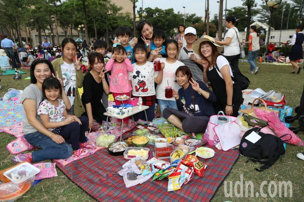 大家一起來野餐!記者徐如宜/攝影