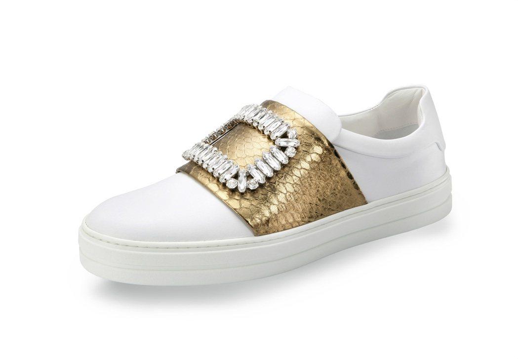 SNEAKY VIV 拼接水蛇皮方鑽釦飾低筒休閒鞋,59,900元。圖/Roge...
