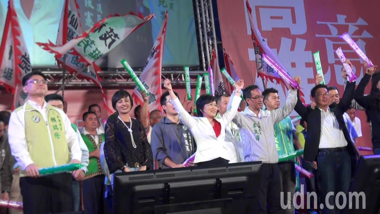 劉世芳今晚在旗山體育場舉辦造勢大會,她承諾會做好旗美地區的基礎建設,再進一步推動...
