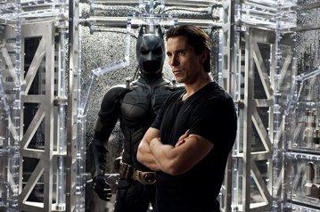 「正義聯盟」以及前作「蝙蝠俠對超人:正義曙光」票房與口碑皆不如預期,新任蝙蝠俠班艾佛列克的演出在歐美不受歡迎,全新蝙蝠俠系列已經確定要找其他演員挑大樑,以傑克葛倫霍最積極爭取。「OK!」雜誌則報導華...