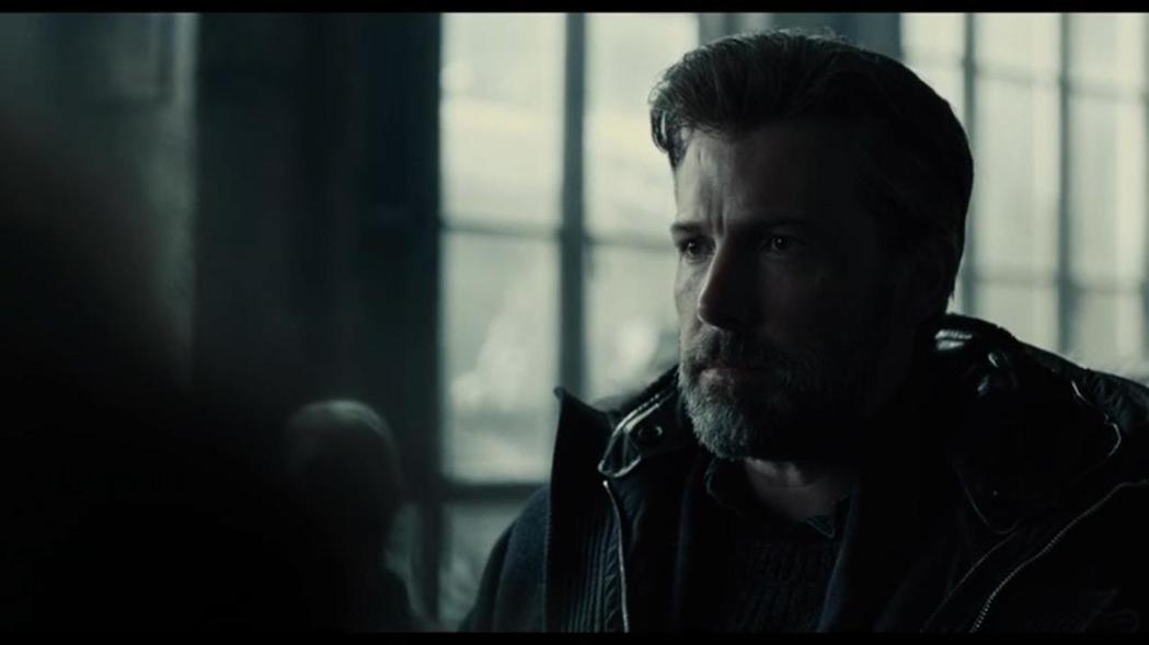 班艾佛列克飾演的中年蝙蝠俠在歐美不受歡迎。圖/摘自imdb
