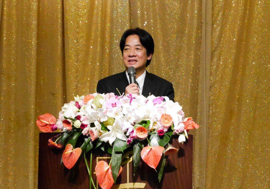 行政院長賴清德到台南參加「關懷長照願景音樂餐會」。 記者鄭維真/攝影