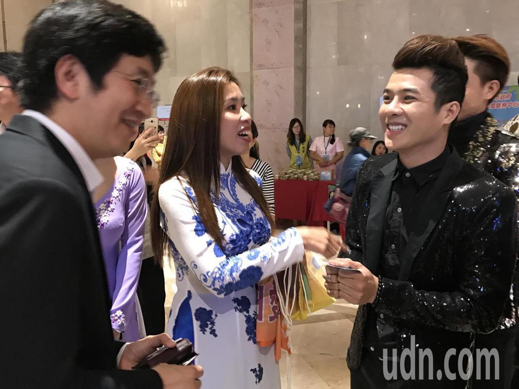今天還有越南歌星來共襄盛舉,記者吳淑君/攝影