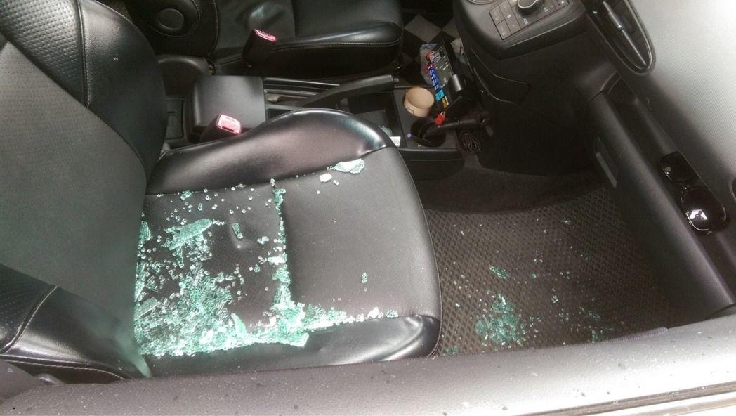多年前北宜路旁一輛小客車破窗竊案,警方採集到唾液,認定基隆市一名60歲葉姓男子涉...