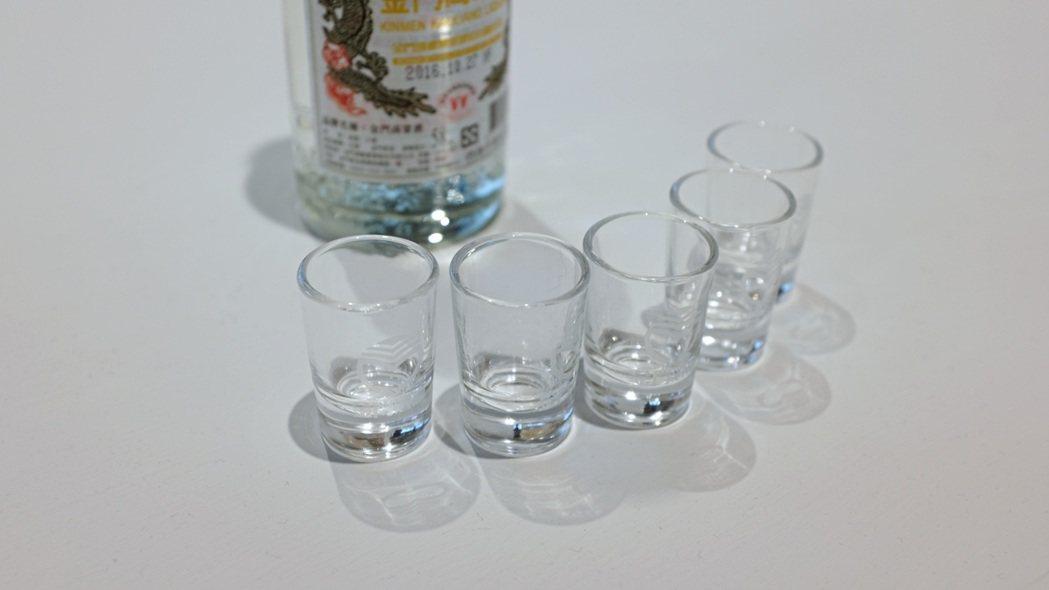 台灣高粱一口杯。記者沈佩臻/攝影