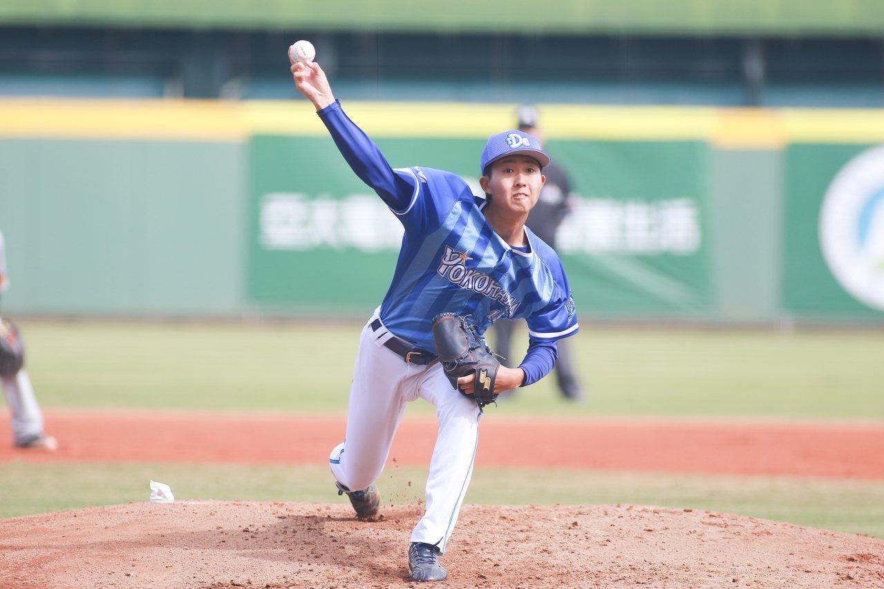 日職東軍京山將彌,先發6局失1分奪勝、獲得單場MVP。圖/中職聯盟提供