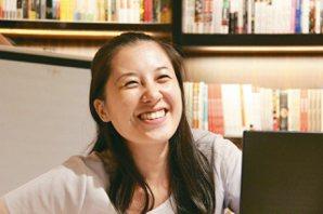 李欣倫 現為靜宜大學台灣文學系副教授。中醫師的女兒,雖然沒有獲得漢醫法理技藝之傳...