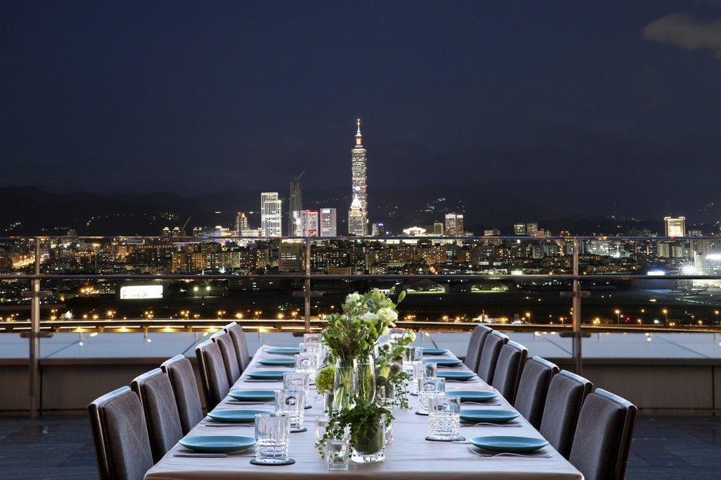 台北萬豪酒店可遙望台北101煙火,將煙火全貌盡收眼底。圖/萬豪酒店提供