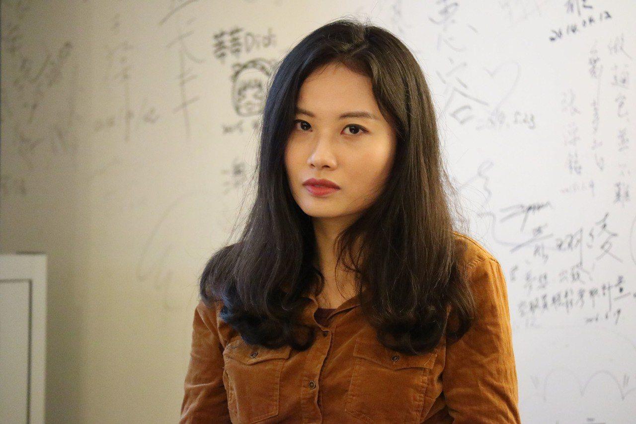 大陸作家趙思樂(圖)花6年觀察女性抗爭者的圖像並出書,當她將微信的顯示圖片換成新...