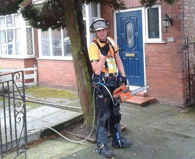 樹藝師保羅,擁有良好的修剪樹木技巧,卻在工作中不幸身亡。圖/翻攝自METRO