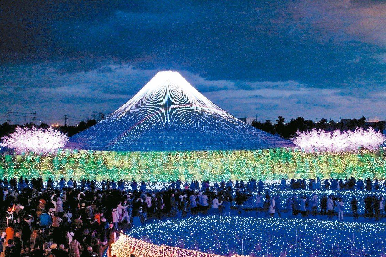 名花之里的冬華競演彩燈以富士山為主題,營造最美的夜間景致。記者史榮恩/攝影