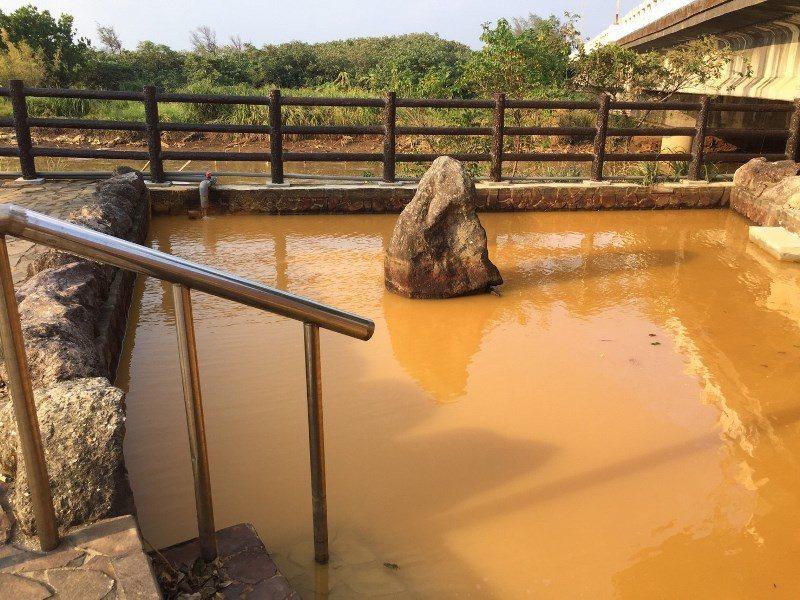 磺港社區公共浴室。圖/網路溫度計提供