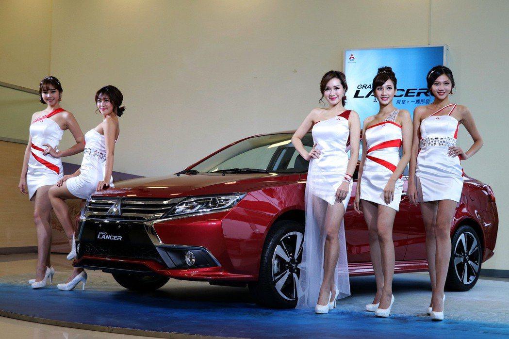 中華三菱搶先公布今年台北車展的MITSUBISHI美麗大使,為車展增添魅力。 記者陳威任/攝影