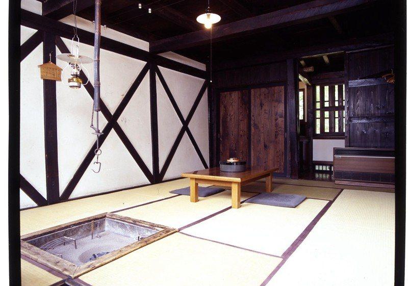 擁有悠久歷史的茅草屋本陣客房,為最具代表性的特色。