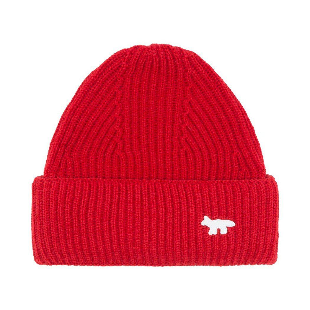 Maison Kitsune紅色毛線帽,3,000元。圖/團團精品提供