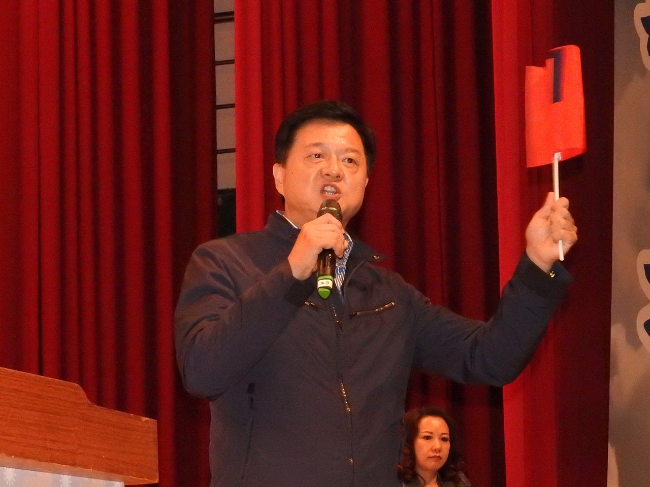前北縣長周錫瑋今透過臉書表態支持罷免黃國昌,周錫瑋強調,他之所以挺身呼籲「大家一...