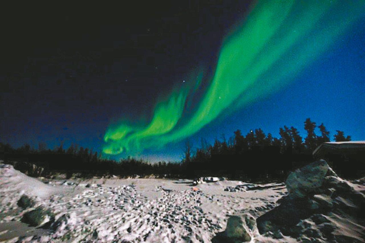 極光受到雲層影響可視程度。 圖/有行旅提供