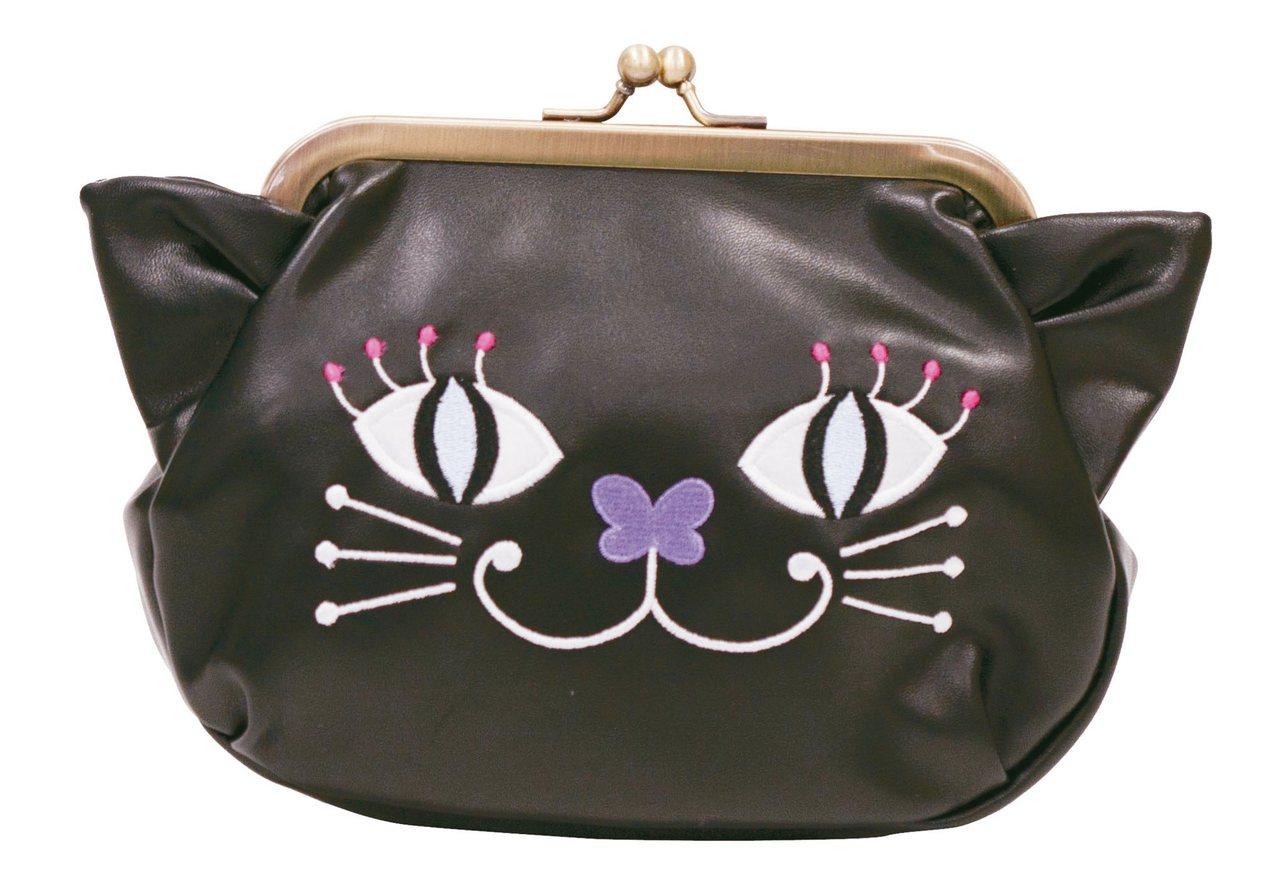 貓咪珠扣化妝包,2,180元(黑)。