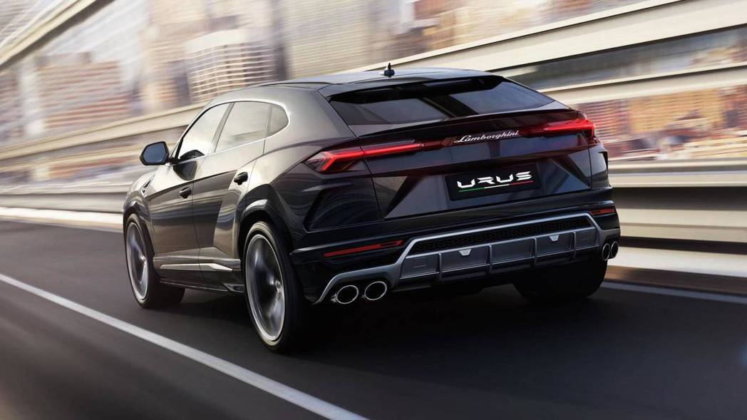 Lamborghini Urus 車尾。 摘自Lamborghini