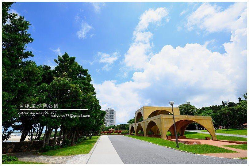 ↑由水族館向北走300公尺濱海道路,可到達翡翠海灘。