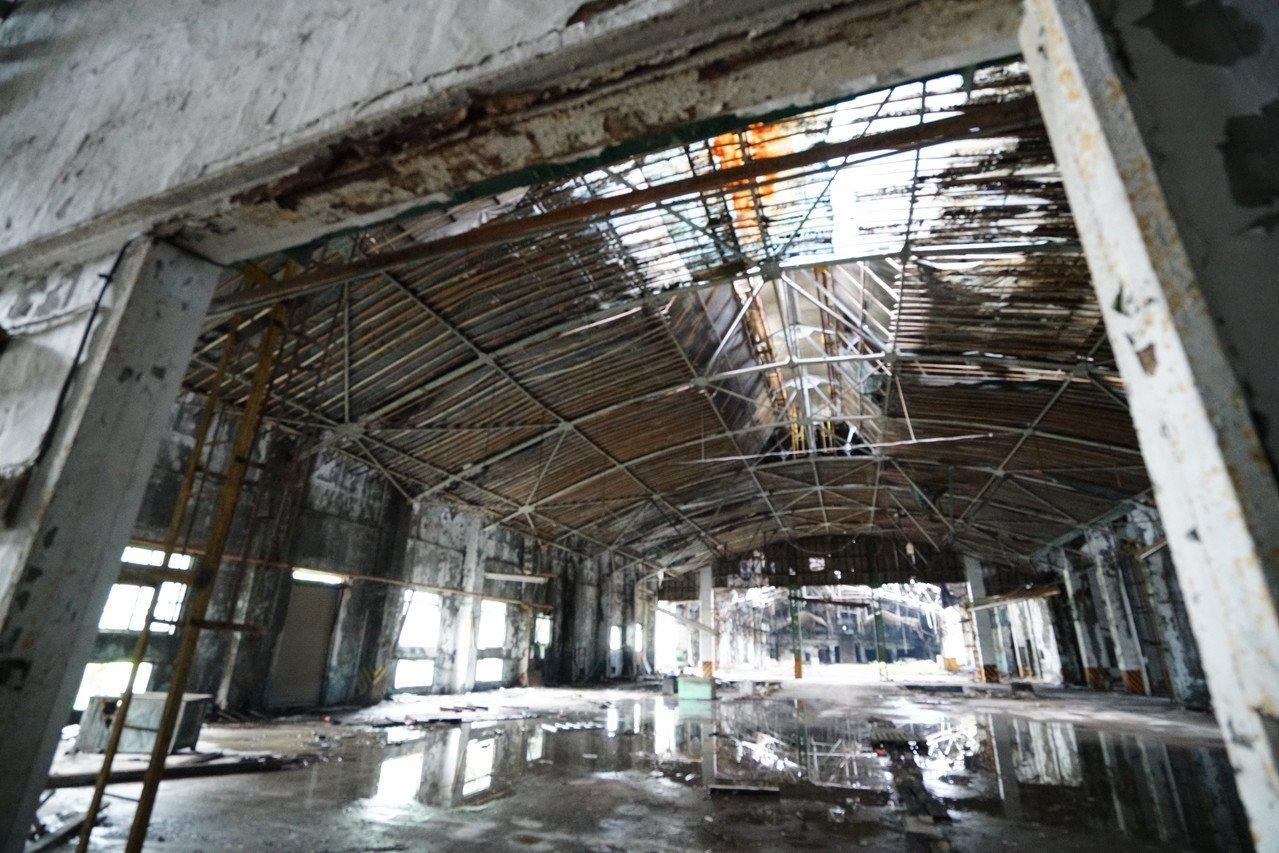 映像節舉辦地點在園區的36號倉庫周邊,《我在裡面我可以還蠻放鬆》展出時間至12月...