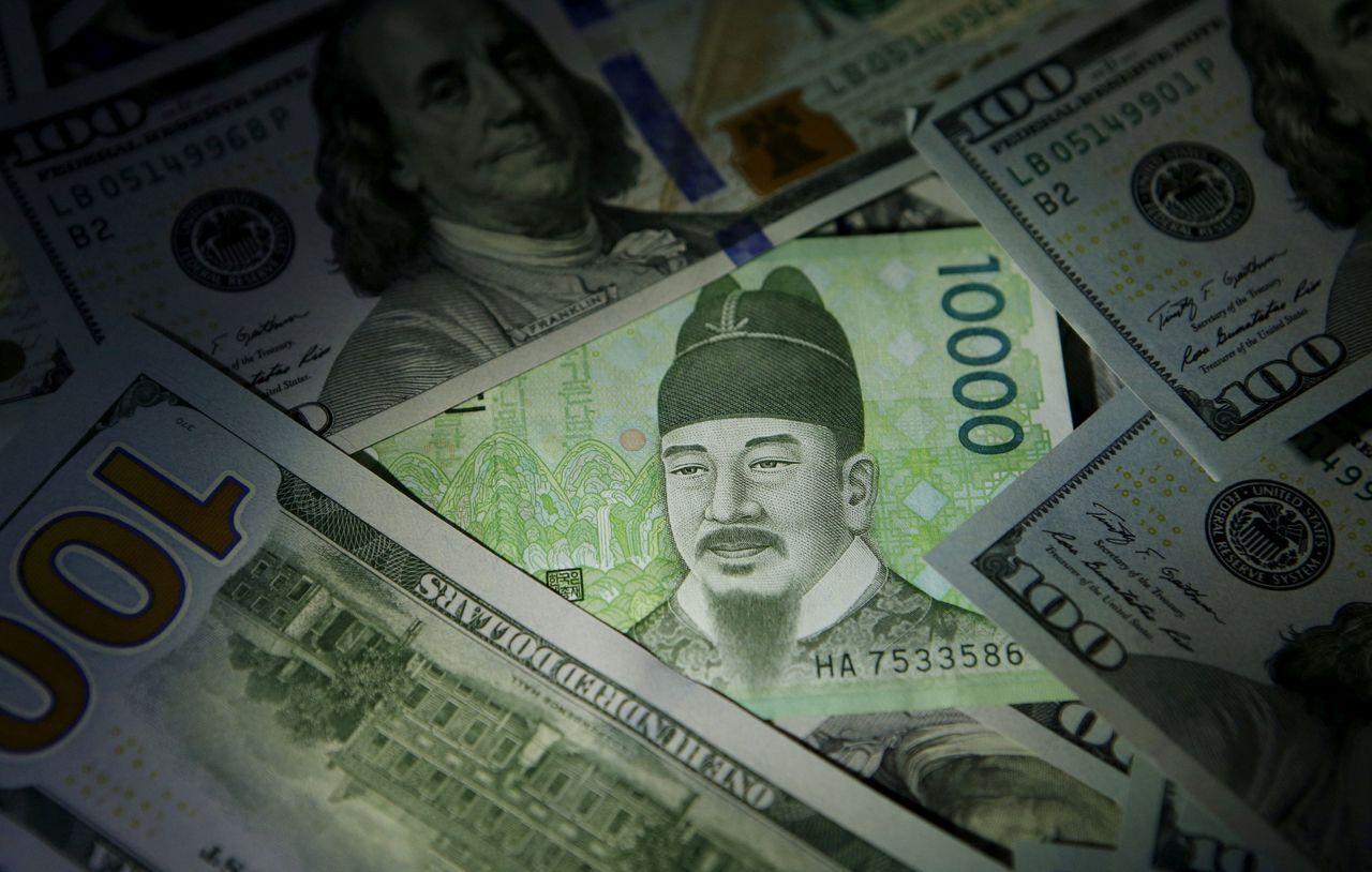 投資人大膽加碼韓元,料準南韓當局怕被美國列為貨幣操縱國,不敢進場干預。(路透)