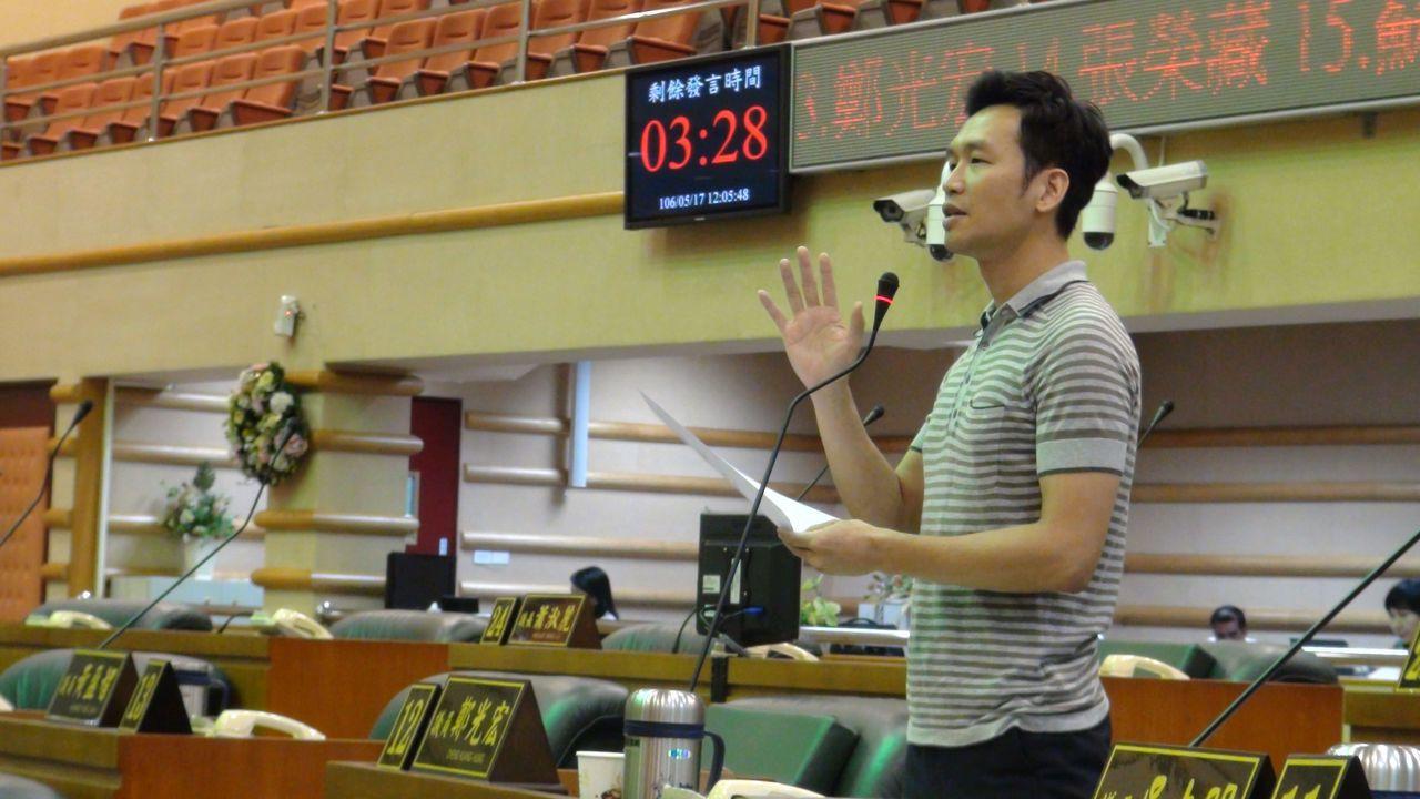嘉義市議員鄭光宏說,嘉義市幅員小,人口僅27萬,兩大體育團體分裂,各自成立重複性...