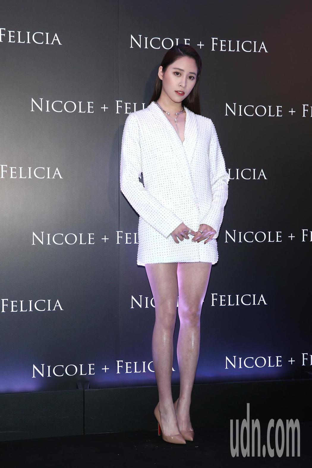 歐陽妮妮晚上出席Nicole & Felicia全球首家形象店開幕酒會。記者蘇健...