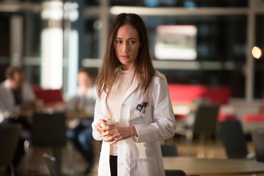 Maggie Q在「鬼壓床」演女醫師。圖/車庫娛樂提供