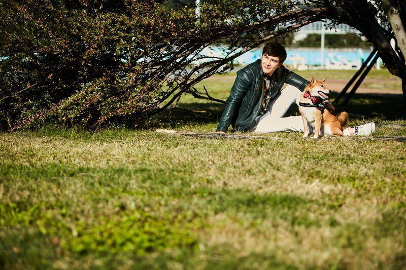 謝佳見的愛犬Uni也十分搶鏡。圖/凱特文化提供